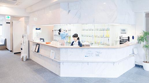 JR横須賀線逗子駅・京浜急行新逗子駅よりすぐよりすぐ。スムーズな予約診療制